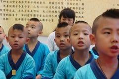 Shenzhen, China: De kinderen van China dragen oud kostuum Royalty-vrije Stock Fotografie