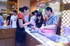 Shenzhen, China: de opslag promotieactiviteiten van jadejuwelen Royalty-vrije Stock Foto's