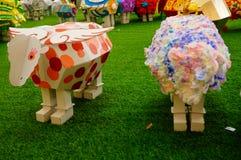 Shenzhen, China: Exposición de las ovejas de Art Painting del estallido Foto de archivo