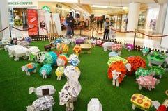 Shenzhen, China: Exposición de las ovejas de Art Painting del estallido Foto de archivo libre de regalías