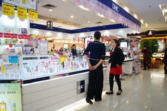 Shenzhen, China: female cosmetics counters Stock Photography