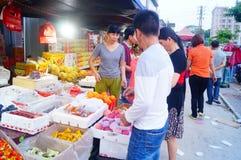 Shenzhen, China: fruit wholesale market Royalty Free Stock Images