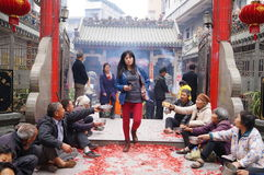 Shenzhen, China: in the gate of the temple are beggars Royalty Free Stock Images