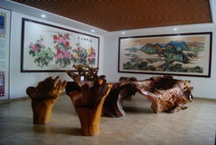 Shenzhen, China: hölzerne Möbel Lizenzfreie Stockfotos
