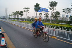 Shenzhen, China: het werk van arbeiders in de qianhai vrijhandelszone Stock Afbeeldingen