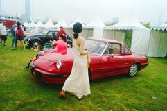 Shenzhen, China: jonge vrouwen bij de autoshow Stock Afbeelding