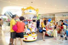 Shenzhen, China: juguetes y patio electrónicos Foto de archivo