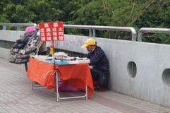 Shenzhen, China: kant van de wegboxen Stock Fotografie