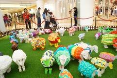 Shenzhen, China: Knall-Art Painting-Schafe Ausstellung Lizenzfreie Stockbilder