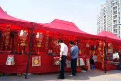 Shenzhen China: koop de coupletten van het de lentefestival Royalty-vrije Stock Fotografie