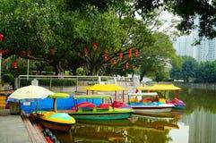 Shenzhen, China: lagos e paisagem do iate Fotos de Stock Royalty Free