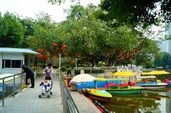 Shenzhen, China: lagos e paisagem do iate Fotografia de Stock
