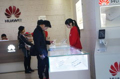 Shenzhen, China: mobile phone sales outlets Stock Photography