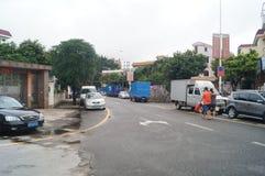 Shenzhen, China: o tráfego da vila na cidade Imagens de Stock Royalty Free