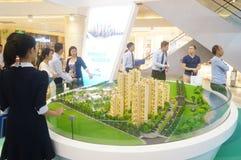Shenzhen, China: onroerende goederenverkoop Stock Foto's