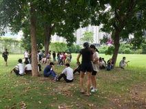 Shenzhen, China: openluchtactiviteiten voor jonge mannen en vrouwen Royalty-vrije Stock Afbeeldingen