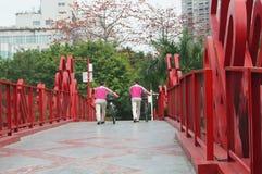 Shenzhen, China: pedestrian bridge Stock Photography