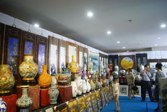 Shenzhen, China: porcelain exhibition sales Stock Photo
