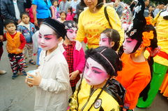 Shenzhen, China: small performers, after the show in the rest or remover Royalty Free Stock Photos
