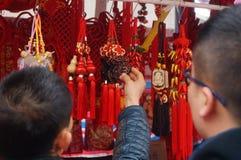 Shenzhen, China: speciale aankopen voor het de Lentefestival Expo Stock Foto's
