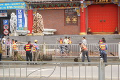 Shenzhen, China: sweep the streets Royalty Free Stock Photography