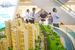 Shenzhen, China: ventas de las propiedades inmobiliarias Imágenes de archivo libres de regalías