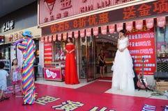 Shenzhen, Chine : activités promotionnelles de magasin de bijoux de jade Images libres de droits
