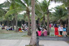 Shenzhen, Chine, les touristes sont d'avoir un repos Images libres de droits