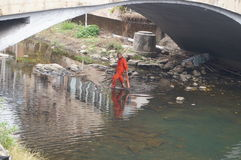 Shenzhen, Chine : nettoyez les travailleurs de rivière Photo stock