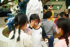 Shenzhen, Chine : petits interprètes, après l'exposition dans le repos ou le solvant Photographie stock