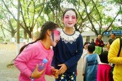 Shenzhen, Chine : petits interprètes, après l'exposition dans le repos ou le solvant Images libres de droits