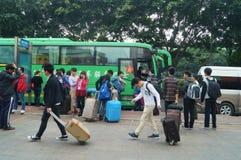 Shenzhen, Chine : station de baisse d'autobus Photos stock