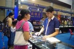Shenzhen, Chiny: chabet biżuterii wystawy sprzedaże Fotografia Royalty Free