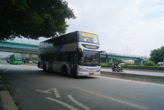 Shenzhen, Chiny: 107 Krajowy Drogowy ruch drogowy Zdjęcia Stock
