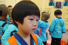 Shenzhen, Chiny: Porcelanowi dzieci są ubranym antycznego kostium Obraz Stock