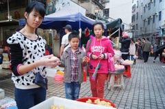 Shenzhen, Chiny: przekąska kramy Zdjęcia Stock