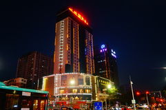 Shenzhen, Chiny: uliczny noc krajobraz Zdjęcia Stock
