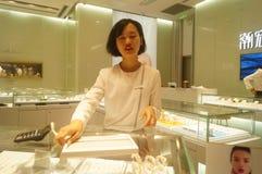 Shenzhen, Chiny: złoto srebny sklep jubilerski Zdjęcia Royalty Free