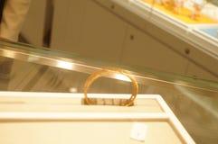 Shenzhen, Chiny: złoto srebny sklep jubilerski Fotografia Stock