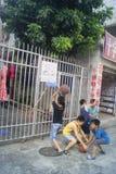 Shenzhen, Cina: bambini che giocano pallacanestro Fotografie Stock