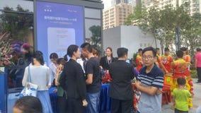 Shenzhen, Cina: i nuovi edifici residenziali iniziano le attività di vendita sulla scena fotografie stock libere da diritti