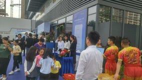 Shenzhen, Cina: i nuovi edifici residenziali iniziano le attività di vendita sulla scena immagini stock