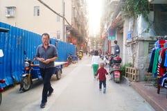 Shenzhen, Cina: il paesaggio del villaggio nella città Fotografie Stock