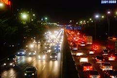 Shenzhen, Cina: il paesaggio di traffico della strada del cittadino 107 alla notte Fotografie Stock Libere da Diritti