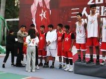 Shenzhen, Cina: Paesaggio della partita di pallacanestro del giocatore di KFC tre fotografia stock libera da diritti