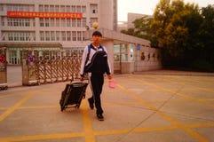 Shenzhen, Cina: Servizio della scuola secondaria di Xixiang e della High School Fotografie Stock