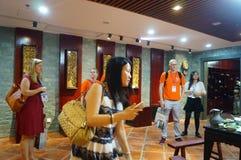 Shenzhen Kina: Äta middag landskapskulptur Arkivfoton