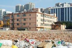 Shenzhen Kina: byggnader efter rivningen av byggnadsutrymmet Fotografering för Bildbyråer