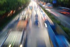 Shenzhen Kina: För vägtrafik för natt 107 landskap Arkivfoton
