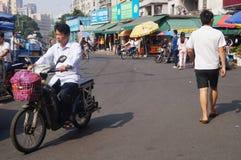 Shenzhen Kina: Gatagrändlandskap Royaltyfria Foton